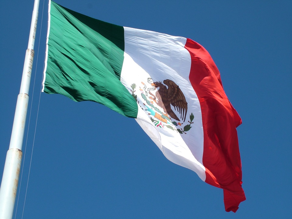 riesgo_pais_mexico_bandera